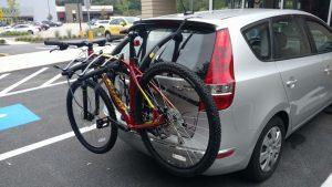 Bones3 truck-mount bike rack on an 2011 Hyundai Elantra Touring