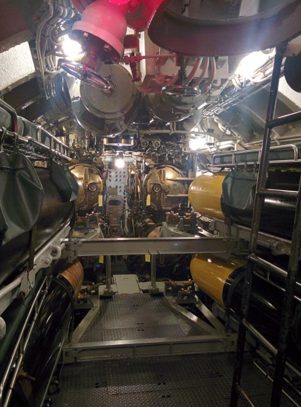 uss cobia torpedo room